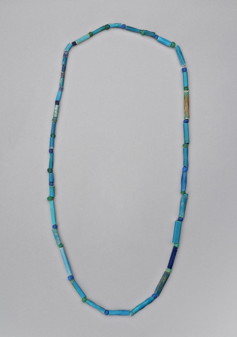 Necklace of nueva cadiz beads