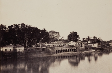 Trichinopoly: Ghats Near the South End of the Bridge